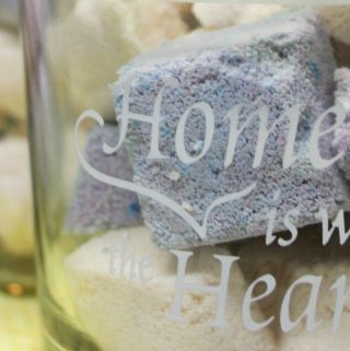 Lemon & Lavender Homemade Bath Bombs